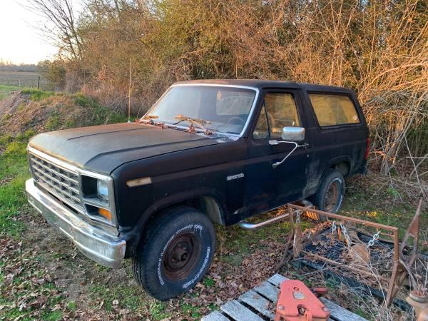 Photo 85 Bronco  Parts - $2,000 (Caledonia)
