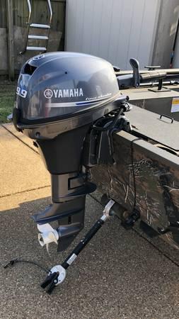Photo 9.9 Yamaha Four Stroke Outboard Motor, Low Hours - $1700 (Hernando)