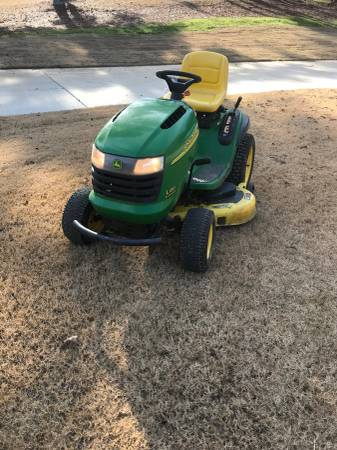 Photo JOHN DEERE L130 48 MOWER - $600 (Nesbit)