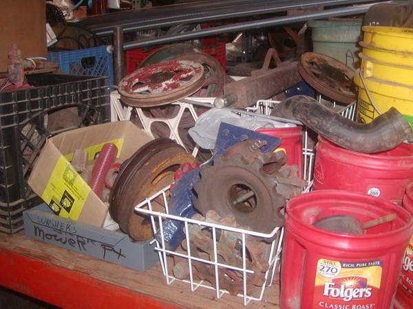Photo Pulleys and Planter Gears for Super A and Cub - $35 (Caledonia, Ms.)