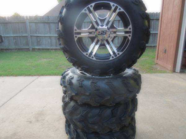 Photo atv tires  wheels - $600 (Hernando Ms.)
