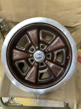 Photo rims and steering column for camaro - $300 (louisville ms)