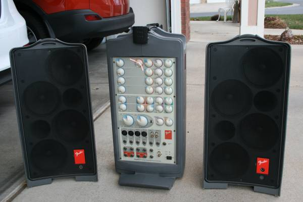 Photo Fender Passport P-250 Portable PA Sound System (Used) - $150 (Greeley)