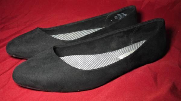 Photo Kelly  Katie Pirassa Ballet Flat Black Woman39s Size 8 12W - $20 (la salle)