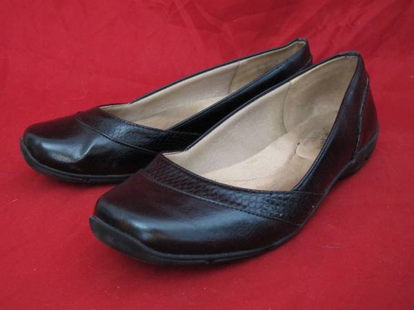 Photo Lifestride Deja Flat Black Women39s US Size 8 - $20 (la salle)