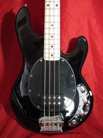 Photo Sterling by Music Man StingRay Ray4 Bass Guitar in Black - $210 (la salle)