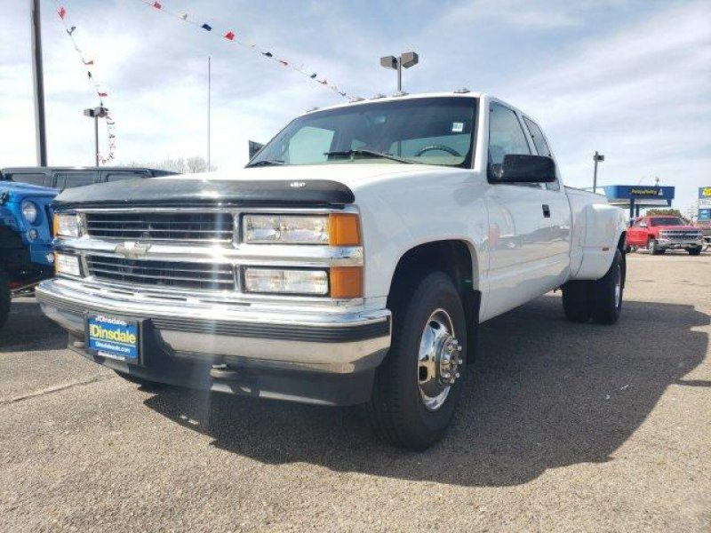 Photo Used 1998 Chevrolet Silverado 3500 2WD Extended Cab for sale