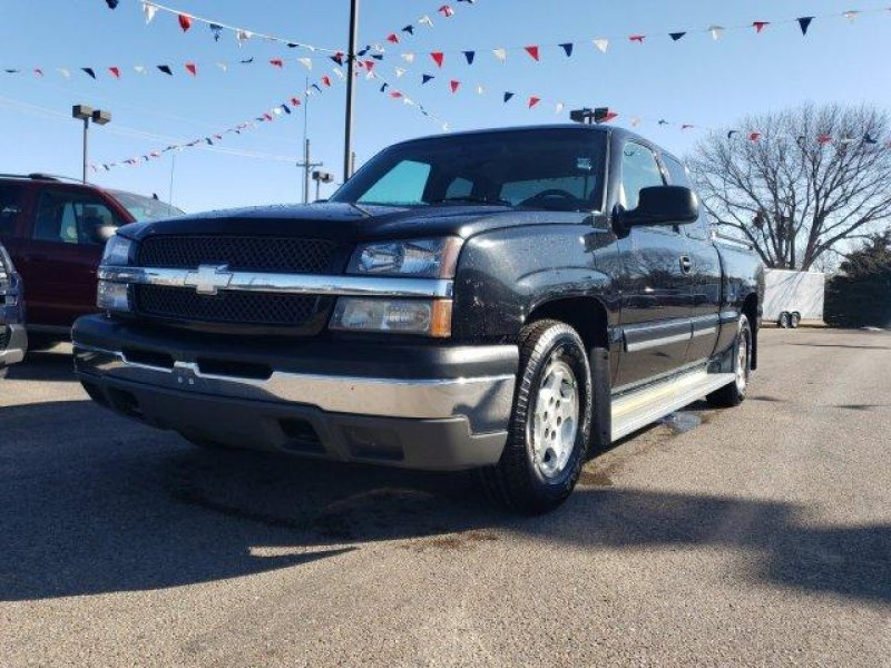 Photo Used 2003 Chevrolet Silverado 1500 2WD Extended Cab for sale