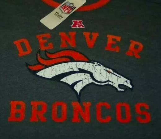 Photo VINTAGE STYLE DENVER BRONCOS NFL FOOTBALL LONG SLEEVE Shirt XL Brand NEW w TAGS - $35 (Fort Collins)