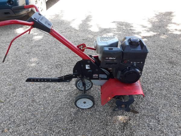 Photo Yard machines rototiller - $200 (Loveland)