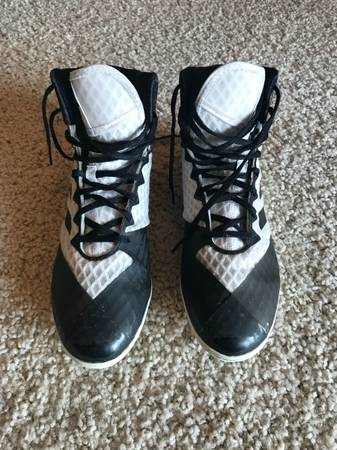 Photo pair of Adidas wrestling shoes - $5 (Loveland, CO)