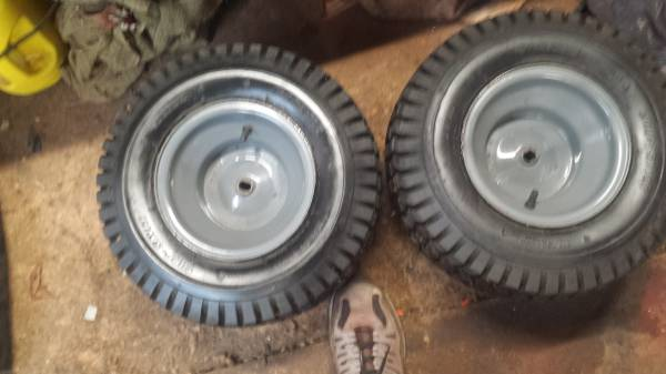 Photo 18x850x8 rear tires on MTD rims - $40 (THOMASTON)