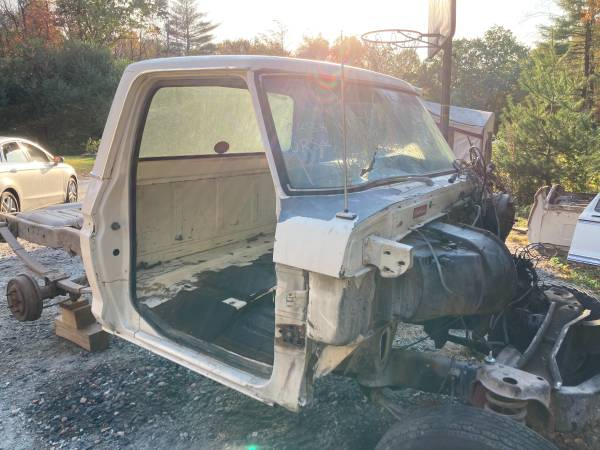 Photo 1973-1979 Ford truck CAB - 100 ROT FREE - $2,000 (Winsted)