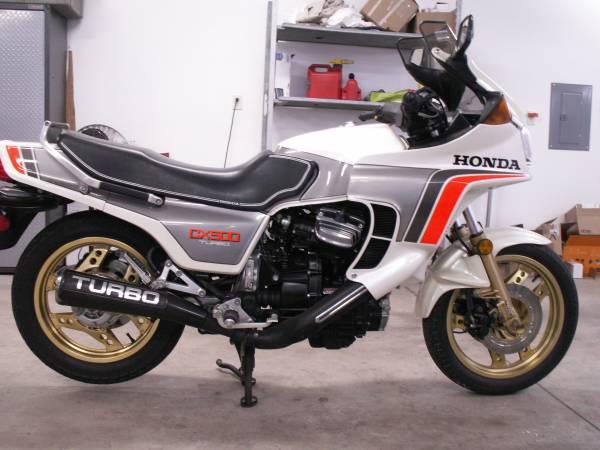 Photo 1982 Honda CX500 turbo (fonda)