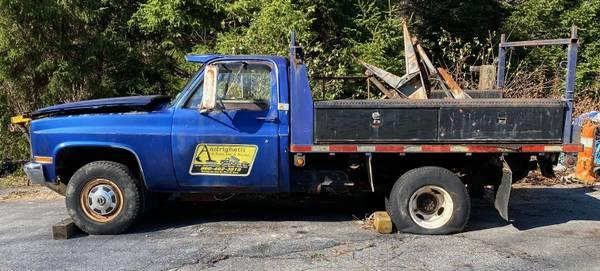 Photo 1986 Chevy Pickup K30 Rack Body w 839 Plow - $2,900 (Litchfield)
