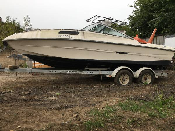 Photo 1990 Stingray SS Boat Needs Work - $500 (Trumbull.ct)