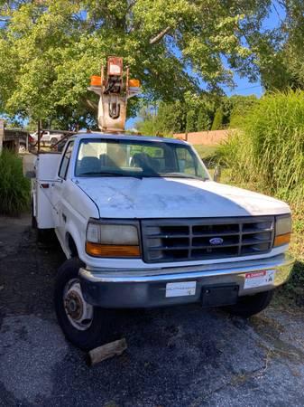 Photo 1994 Ford F-350 4x4 Bucket Truck - $8,500 (Oakville)