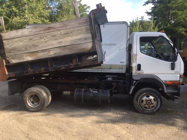 Photo 1997 Mitsubishi Fuso 4x4 standard shift dump truck wplow frame 93k - $6,250