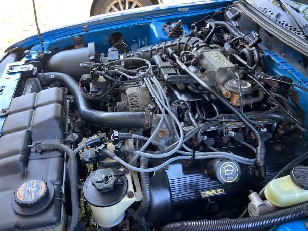 Photo 1998 Mustang GT - V8  5-Speed T45 - $4,500 (Torrington)