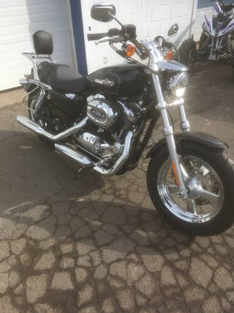 Photo 2015 Harley Davidson Sportster 1200 Custom - $7,950 (New Milford, CT)
