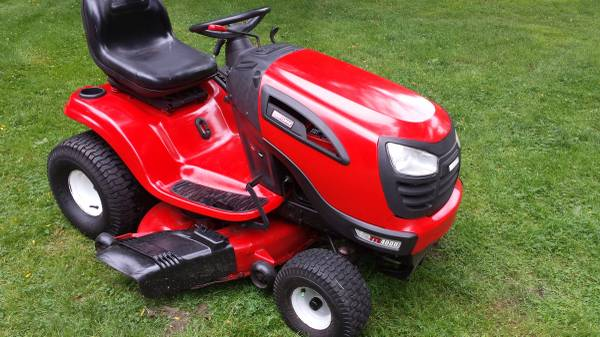 Photo 2 cylinder Craftsman lawn tractor - $750 (Thomaston)