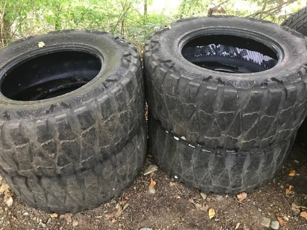 Photo 38-15.5-20 LT Nitto tires 4 - $1 (Oxford)