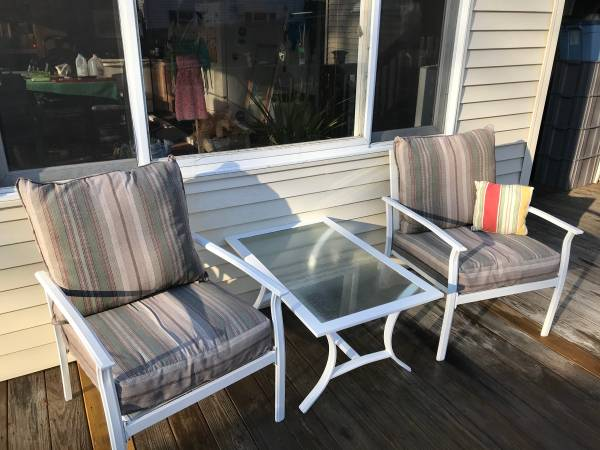 Photo 4 Pcs Patio Outdoor Furniture Set White with Loveseat and Tea Table - $400 (Wolcott)