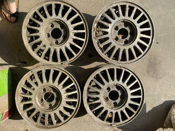 Photo Acura Legend 15quot wheels - $150 (Salisbury)