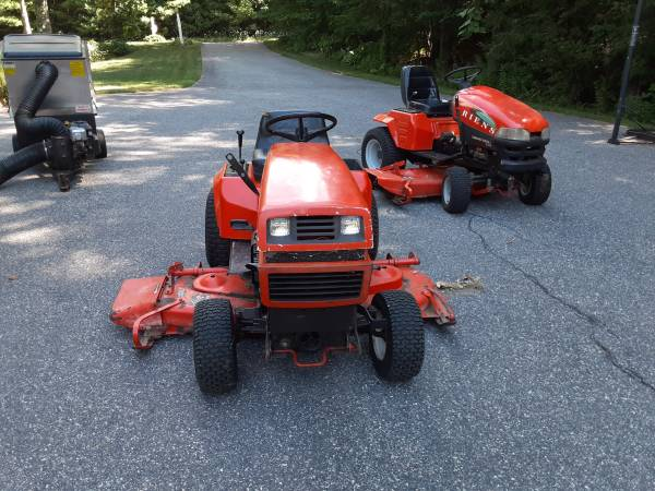 Photo Ariens GT17 Garden Tractor with 60inch mowing deck and snowblower - $1,500 (Barkhamsted)