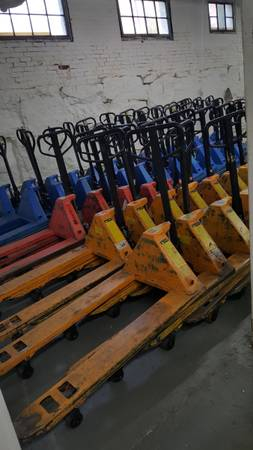 Photo Attn Warehouse Managers and Truckers - Pallet Jacks Delivered Cheap - $195 (Newtown  Sandy Hook)