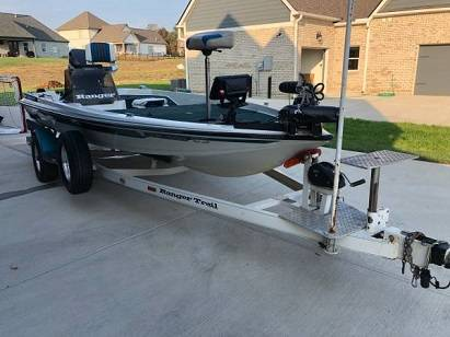 Photo Bass Boat For Sale - $10 (Cromwell)