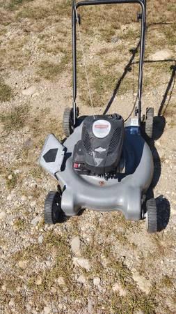 Photo Craftsman 21 inch push mower - $50 (Thomaston CT)