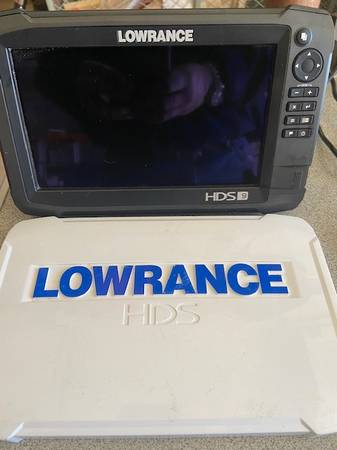 Photo Lowrance HDS 9 Carbon Fishfinder Chart Plotter - $1,050 (Fairfield County)