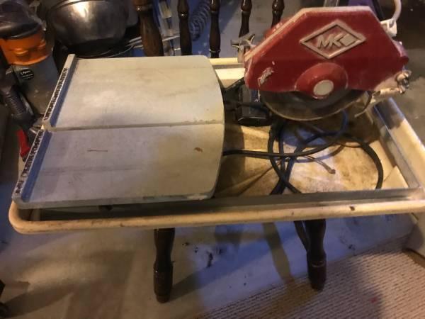 Photo MK 270 tile saw - $150