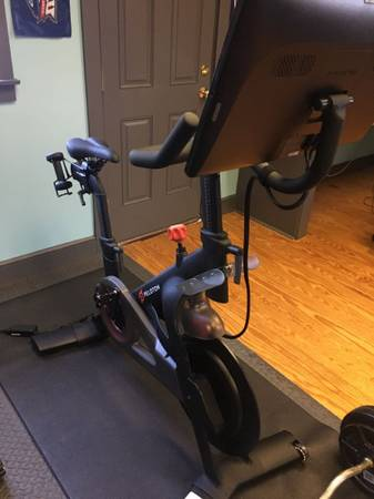 Photo Peloton bike discount - $100
