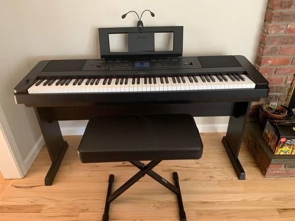 Photo Yamaha Digital Grand Piano - $550 (Danbury CT)