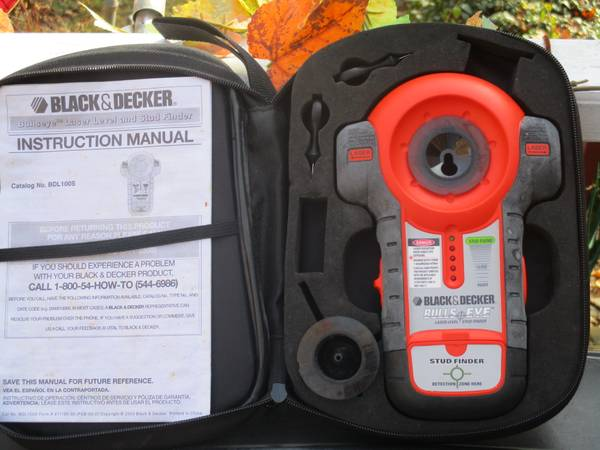 Photo black and decker bullseye laser level and stud finder - $15 (sheltonct)