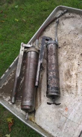 Photo grease guns - $60 (sandy hook)