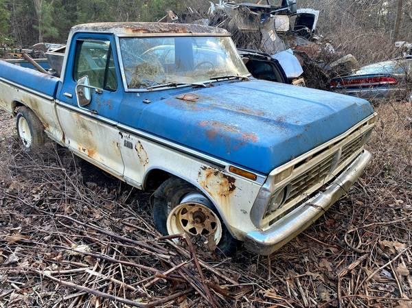 Photo 1967 Ford F100 Ranger XLT Short Bed - $2,500 (Blue Ridge)