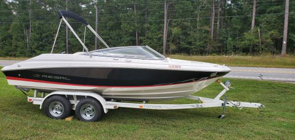 Photo 2005 Regal 2000 Fastrac Bowrider - $17,990 (Greensboro)