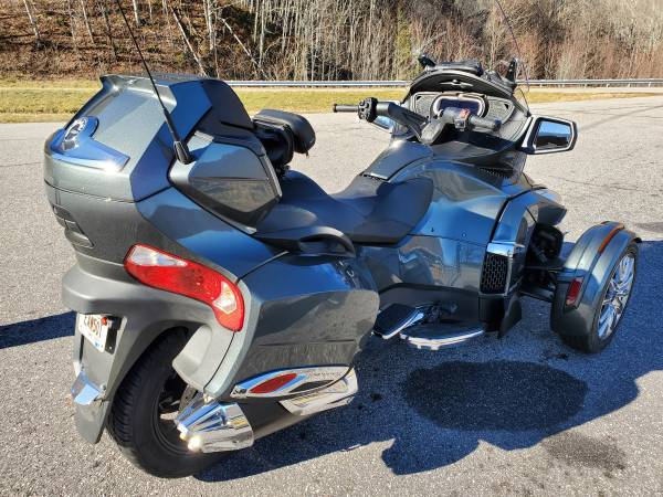 Photo 2018 CanAm Spyder RT Limited - $25,000 (Hiawsassee)