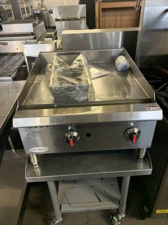 Photo 24 inch gas flat grill for sale - $895 (mableton)