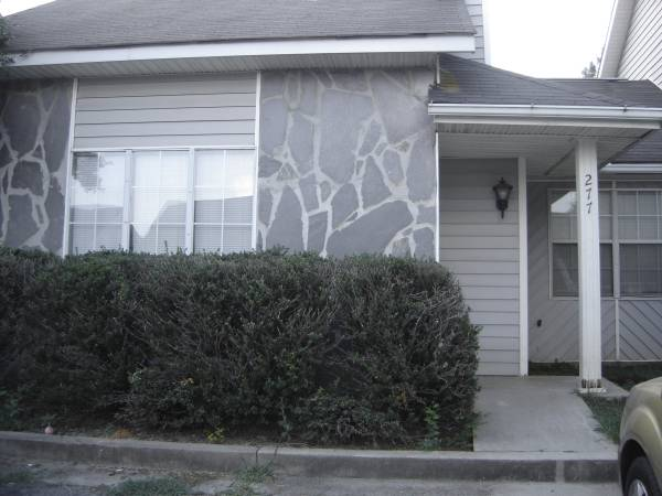 Photo 2 Bedroom, 2 Bath Townhouse for Rent