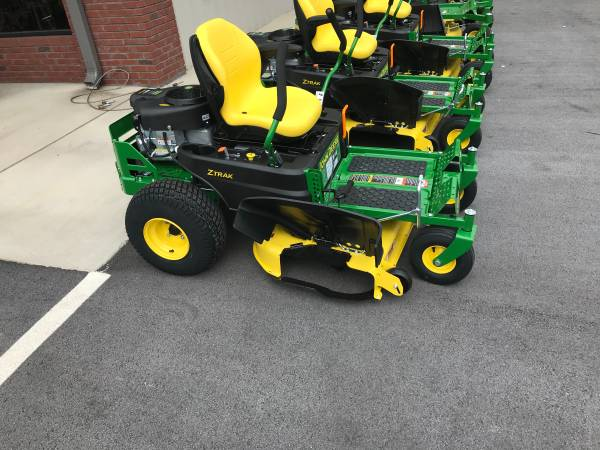 Photo BRAND NEW JOHN DEERE Z345R ZERO TURN LAWN MOWER - $2,899 (ROME)