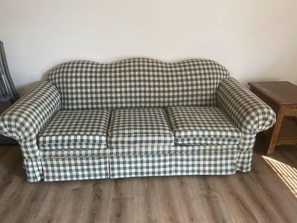 Photo FREE Furniture, Need gone ASAP (Harrogate, TN)