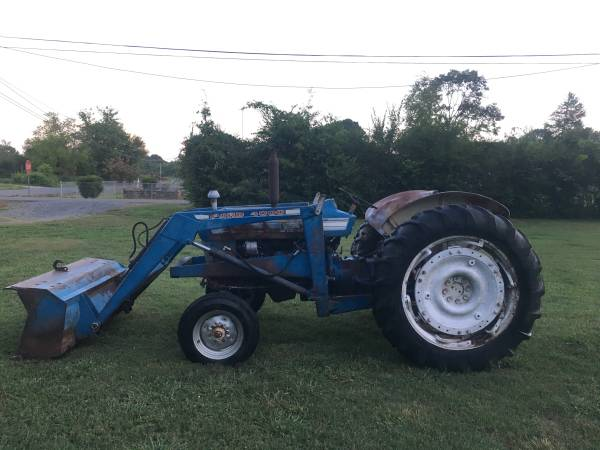 Photo Ford 4000 - $5,500