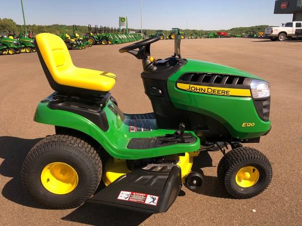 Photo John Deere E120 Lawn Tractor - $1,899 (Jasper, Ga)