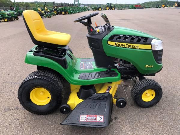 Photo John Deere E140 Lawn Tractor - $2,099 (Jasper, Ga)
