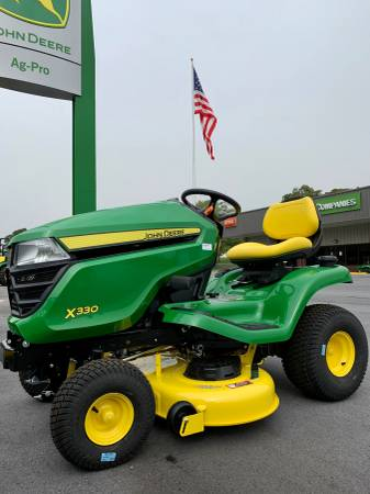 Photo John Deere X330 42quot Riding Lawn Mower Tractor - $2,999 (Rome)