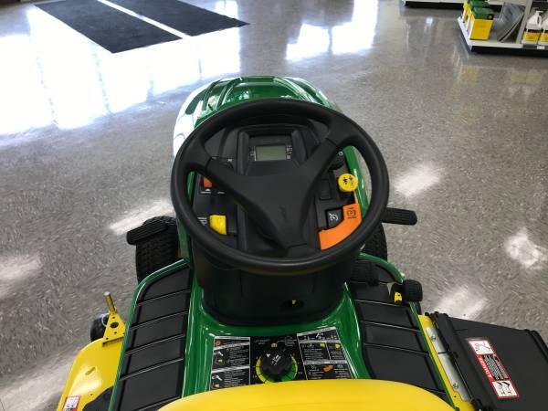 Photo John Deere X350 48quot Lawn Tractor - $3,699 (ROME)